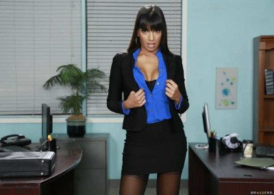 Mercedes Carrera I Hired My Daughter's Boyfriend 005-0018