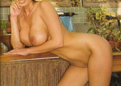 Playboy Venezuela Amas de Casa Ardientes 2 (25)
