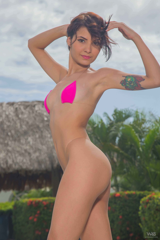 "Natali Leon ""Sexy Pool"""