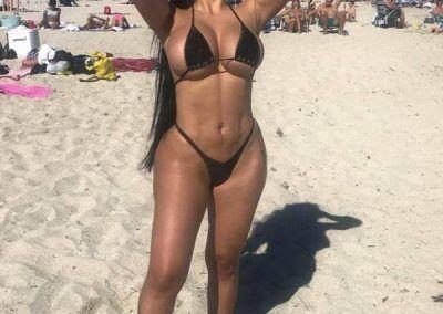 Ana Oviedo y sus ardientes bikinis (16)
