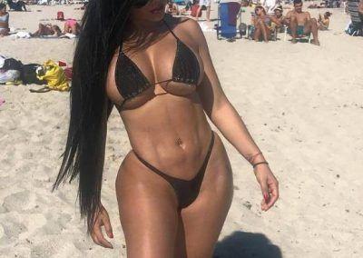 Ana Oviedo y sus ardientes bikinis (17)