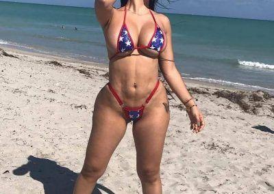 Ana Oviedo y sus ardientes bikinis (21)
