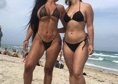 Ana Oviedo y sus ardientes bikinis (5)