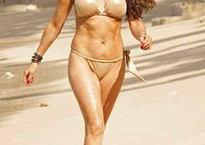 Lizzie Cundy Bikini cameltoe on holliday in Barbados (3)-min