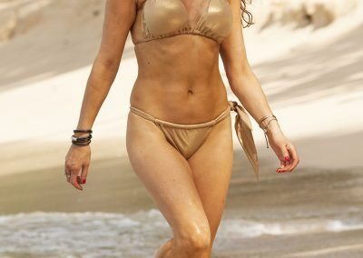 Lizzie Cundy Bikini cameltoe on holliday in Barbados (4)-min