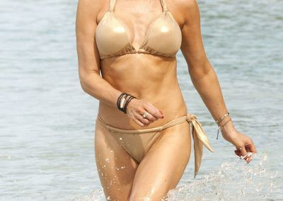 Lizzie Cundy Bikini cameltoe on holliday in Barbados