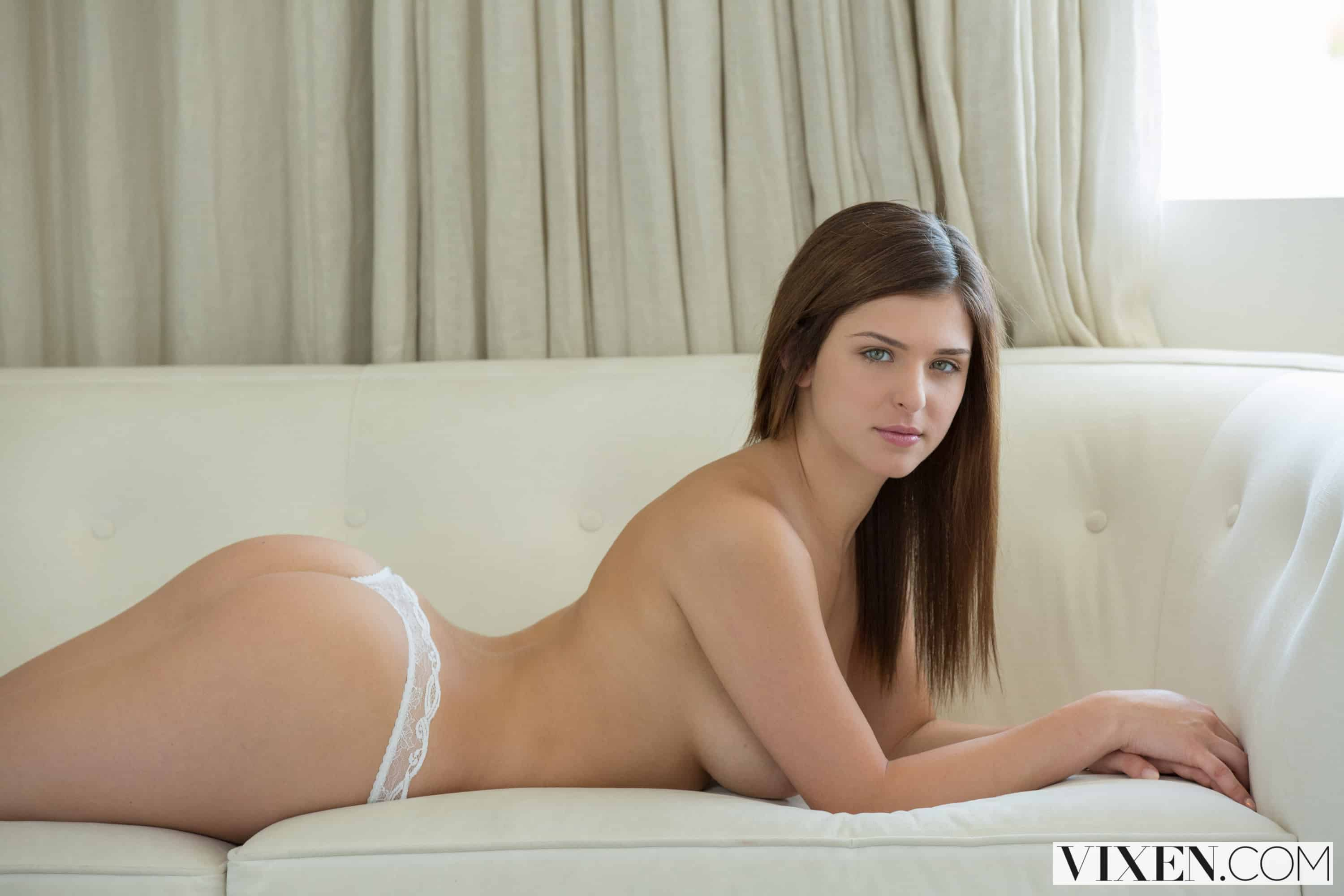 "Leah Gotti ""Curvy Young Teen and Her Boss"""