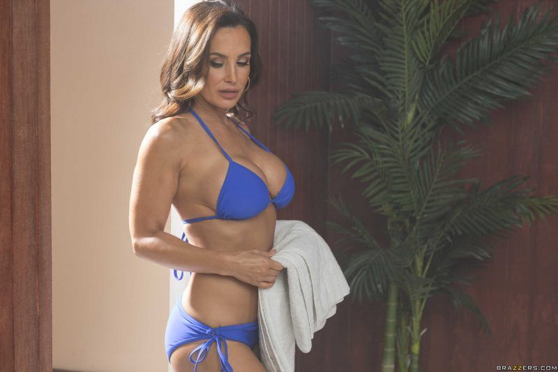 "Lisa Ann ""We're All Girls Here"""
