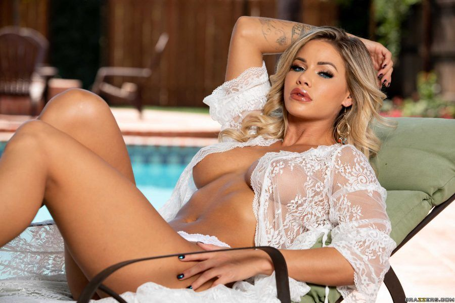 "Jessa Rhodes ""Jewel Of The Pool"""
