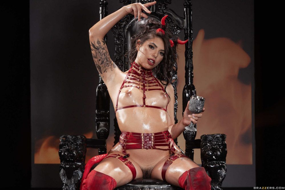"Gina Valentina ""The Devil Inside"""