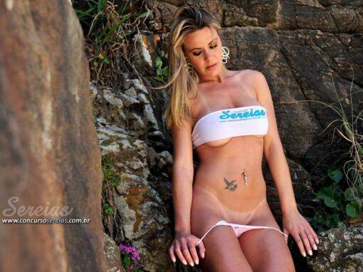 Alessandra Cardoso un colirio en el mar