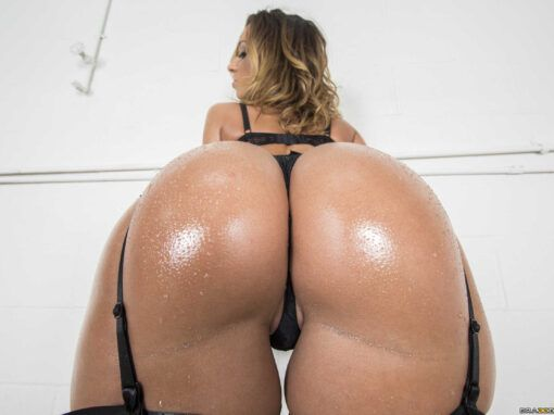 Jada Stevens Junk in the Trunk