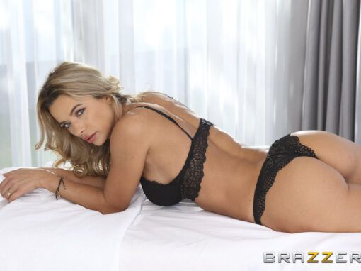 Shalina Devine Massage With A Strap-On Ending