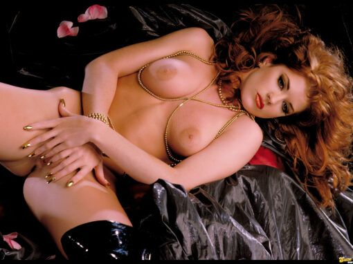 Julia Hayes Redhead with Perfect Bodie