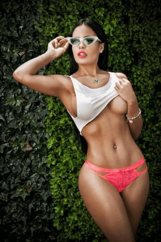 Mariell Andreina una diosa del bikini - Portafolio